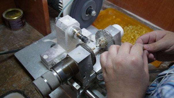 Регулировка (отцентровка) сверлильного станка для янтаря